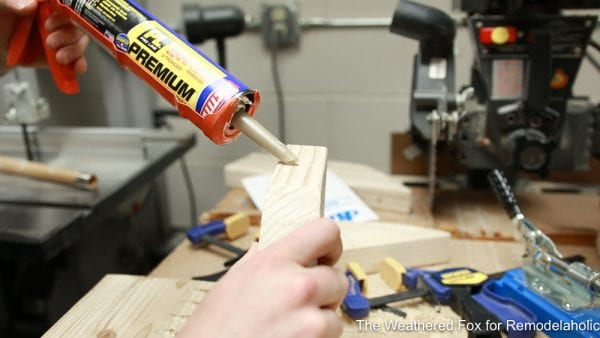 construction adhesive to attach outdoor bench legs, How to make a wooden bench
