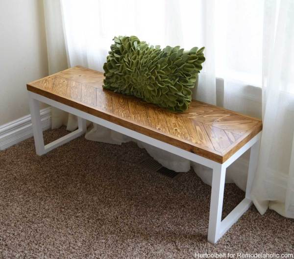 2x2 Projects, Box Frame Chevron Bench @Remodelaholic