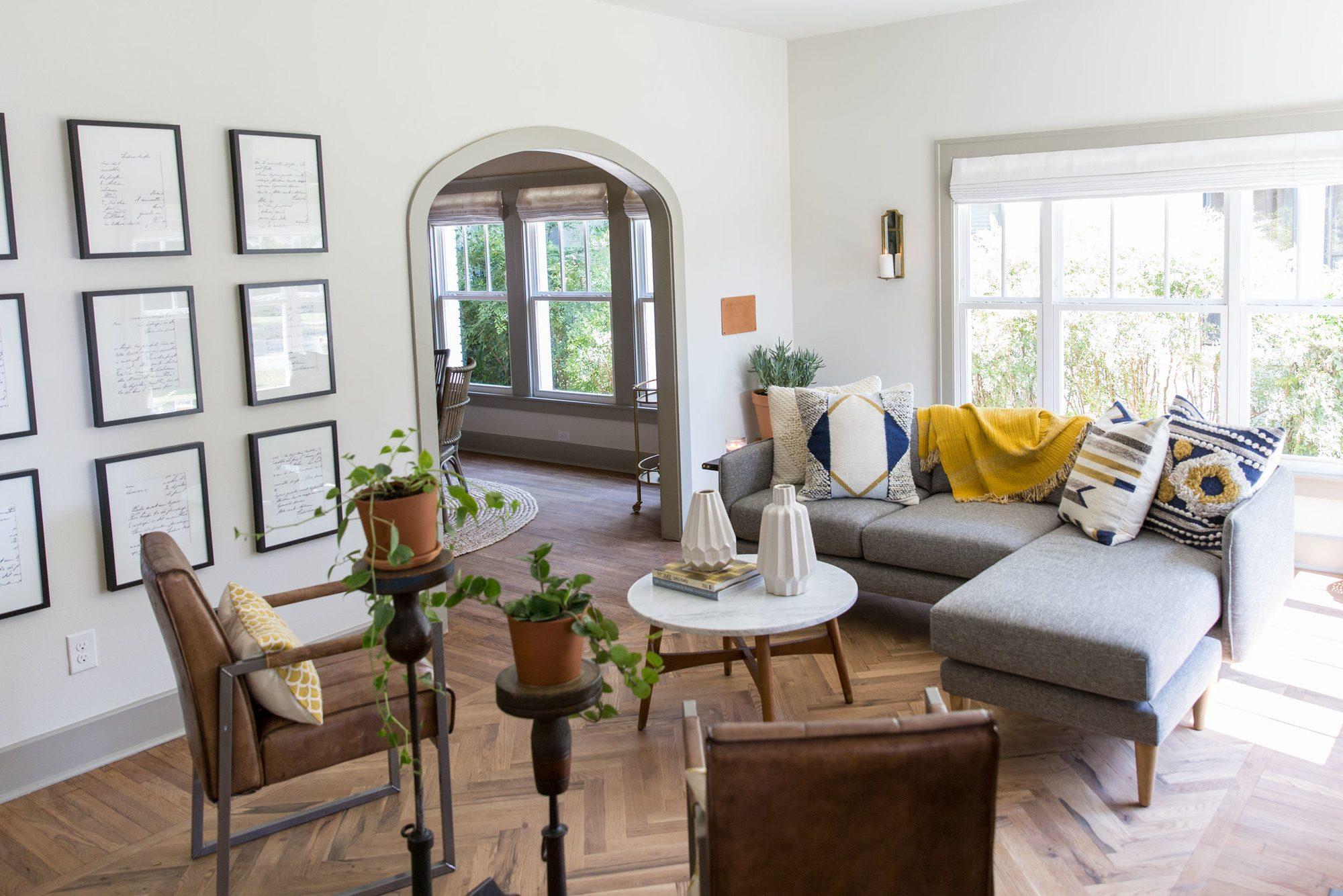 Fixer Upper Giraffe House Living Room Via Magnolia Market