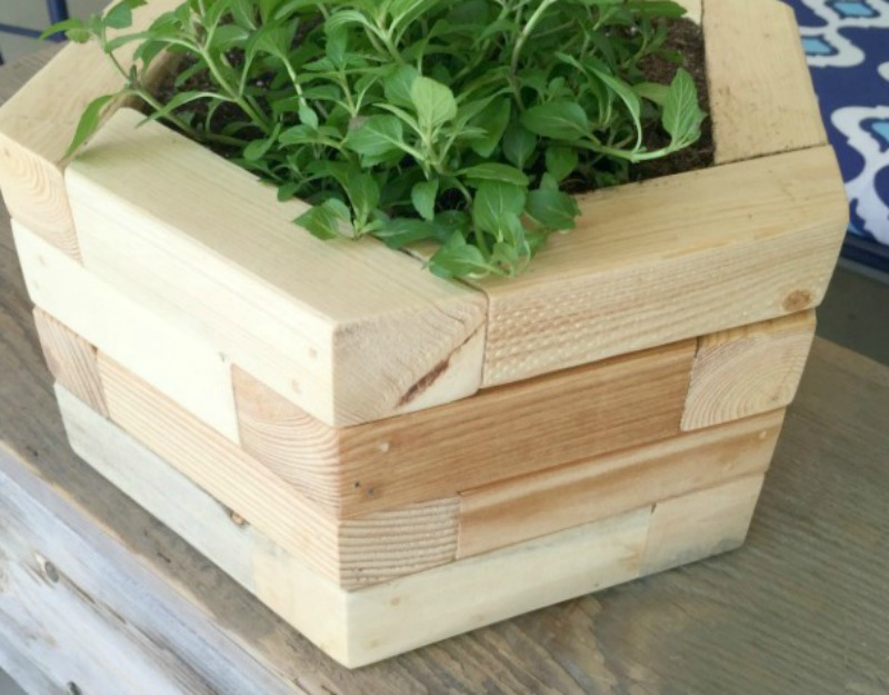 Remodelaholic  20 Things to Build from 2x2 Wood Boards