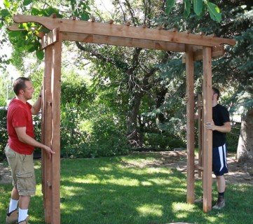 how to build a 2x4 wood garden arbor for a backyard wedding arch