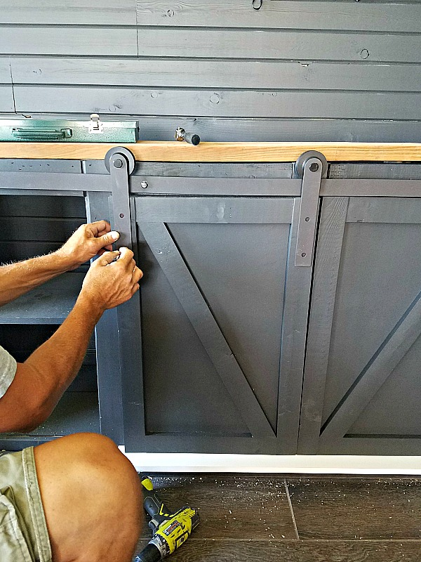How To Build A Sliding Barn Door Console For Your Man Cave 18