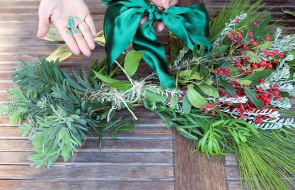 DIY Christmas Swag Apieceofrainbowblog Tutorial (11)