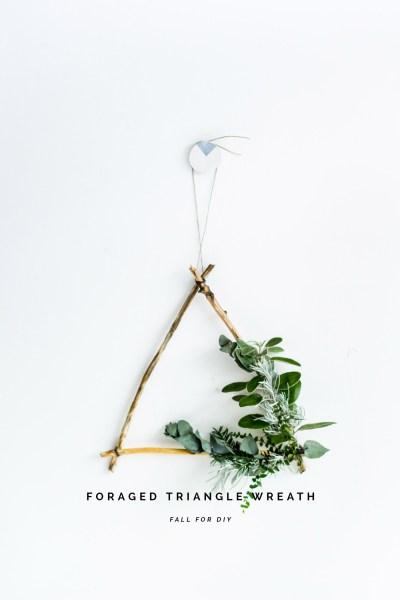 DIY Foraged Triangle Christmas Wreath @fallfordiy