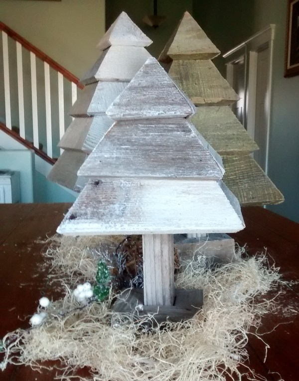 Remodelaholic 3d Christmas Trees Photo On Table (8)a