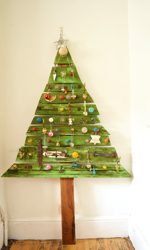 Decorated DIY Wooden Christmas Tree S