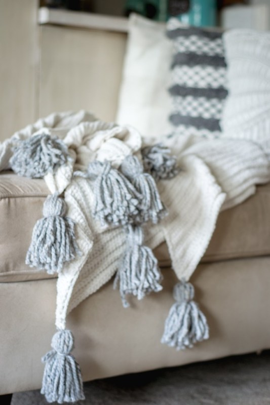 Friday Favorites Old Barn Door And Tassel Throw Remodelaholic