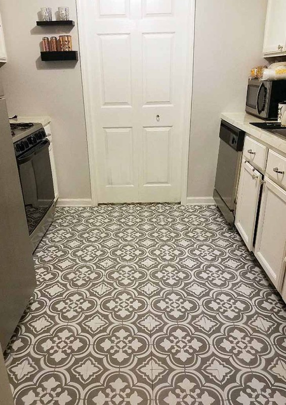 Remodelaholic Friday Favorites Painted Floors And Craft