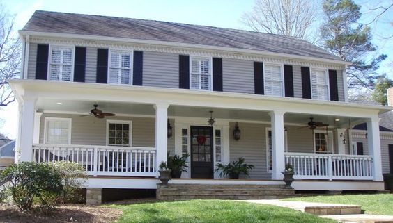 Colonial Porch Curb Appeal Ideas and Inspiration (with columns and railing)