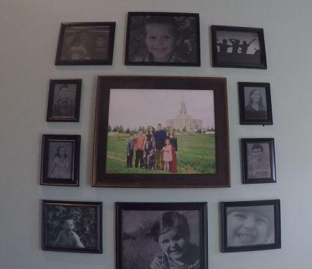 Remodelaholic Gallery Wall Simplified (39)