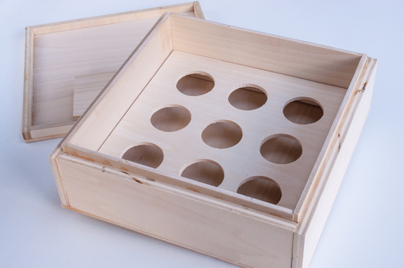 DIY Wooden Treat Box with Interchangeable Inserts for Cupcakes, Cookies, Cake or Pie |