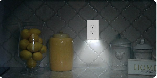 Built In Nightlight Led Wall Outlet Coverplate, BBB SYL