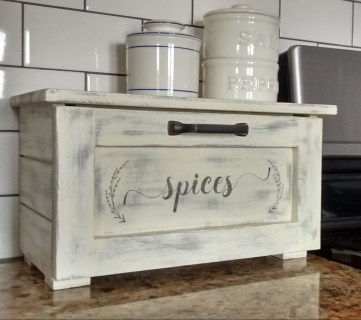 Build a Countertop Spice Storage Bin + Printable Spice Labels