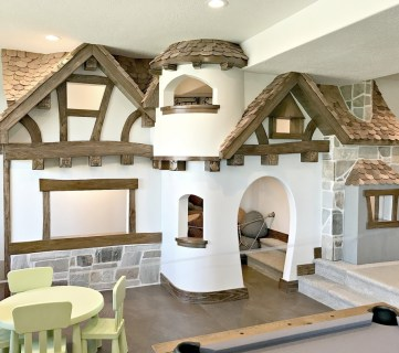 Cottage Castle Playhouse Featured On Remodelaholic