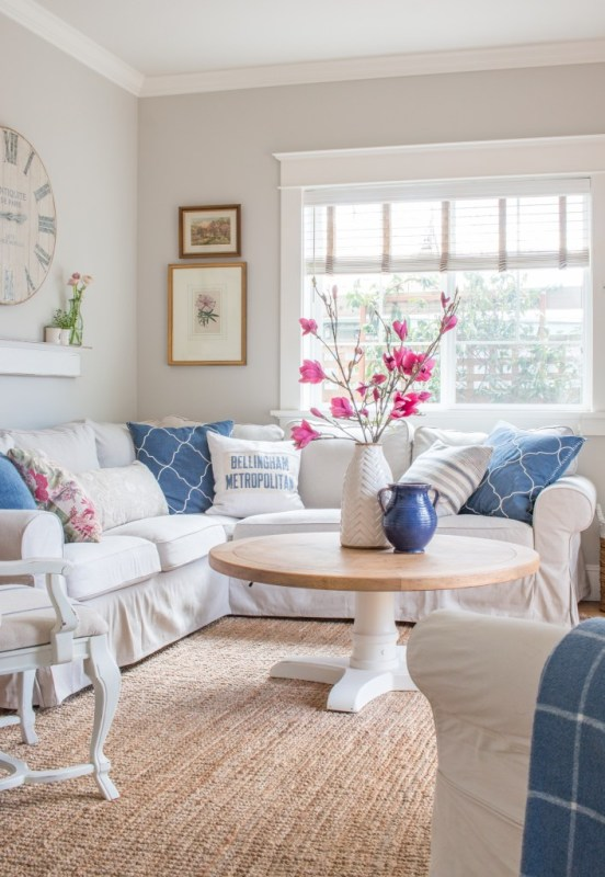 Spring Living Room With Pink Magnolias, Saw Nail And Paint