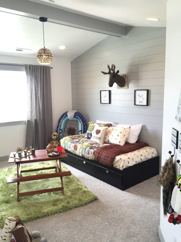 Decorate a fun outdoorsy camping theme bedroom for your son or daughter with these easy tips and DIYs! #remodelaholic #getthislook