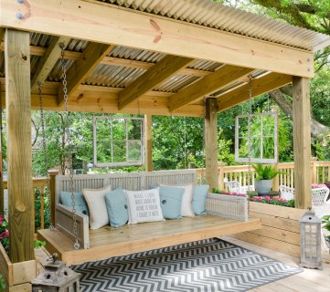 Friday Favorites: Easy Building Projects + Porch Swing Shed