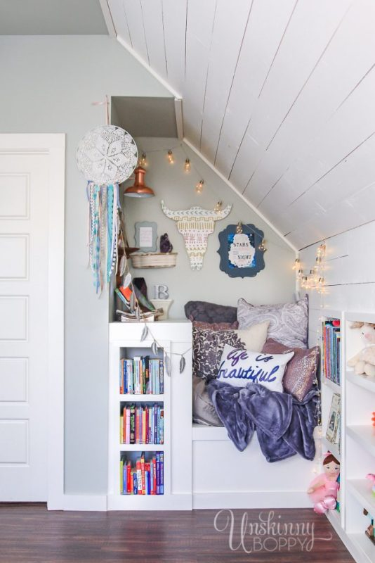 Cozy Built In Book Nook In Attic 1 1 683x1024