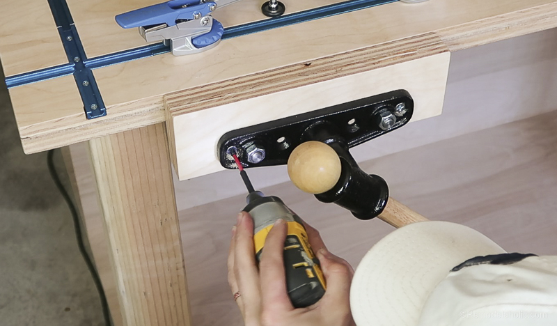 Table Saw Workbench @Remodelaholic 53
