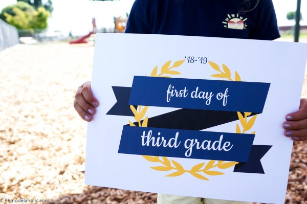 Printable First Day Of School Signs For Photos K 12 2018 2019 School Year #remodelaholic (7)