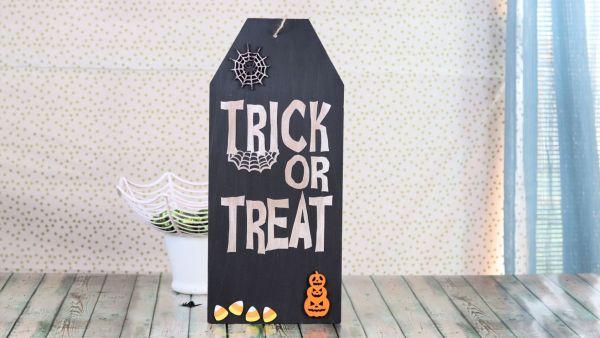 Creative Ramblings Halloween Sign