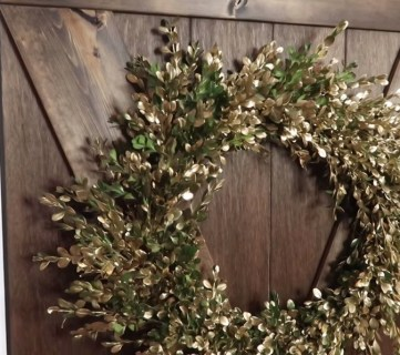 Diy Fresh Boxwood Wreath In Gold Remodelaholic