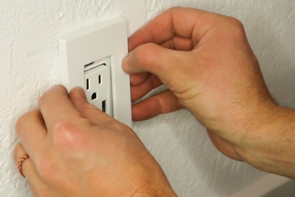 Smart Home Upgrade With USB Duplex Outlets And No Visible Screws #remodelaholic