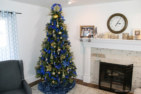 Dollar Store Christmas Tree Under 50 @Remodelaholic 1
