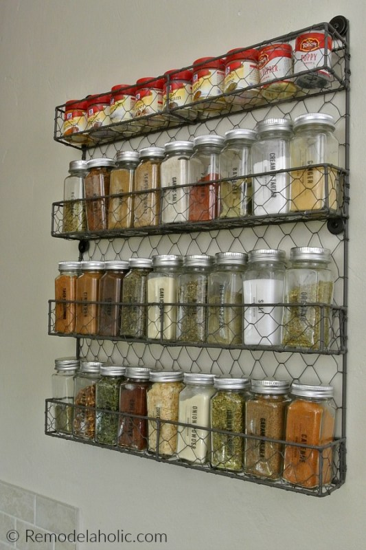 Farmhouse Spice Rack With Custom Printable Labels #remodelaholic