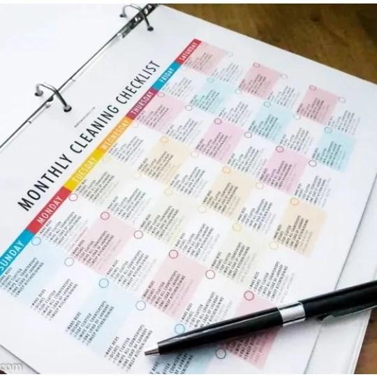 DIY Cleaning Binder Printables + Spring Cleaning Checklist
