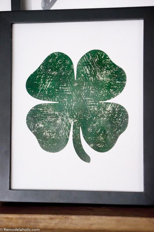 Printable Distressed Shamrock Lucky Green Clover Printable #remodelaholic #stpatricksdaydecorations