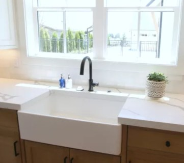 3.3 Remodelaholic Brown Farmhouse Sink