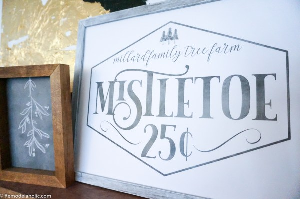 Custom Familiy Name Sign For Christmas, Mistletoe Family Tree Farm #remodelaholic
