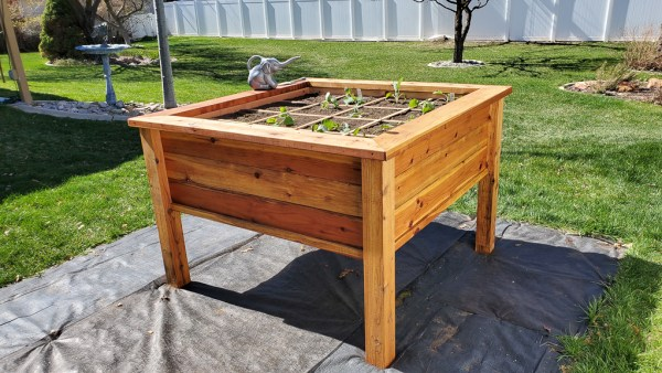 DIY Raised Garden Bed by Remodelaholic.com