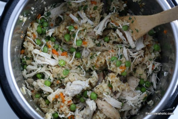 Instant Pot Chicken And Rice Recipe With Vegetables #remodelaholic (11)