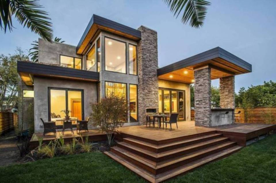 Natural Stone and Stucco Siding on a Modern House