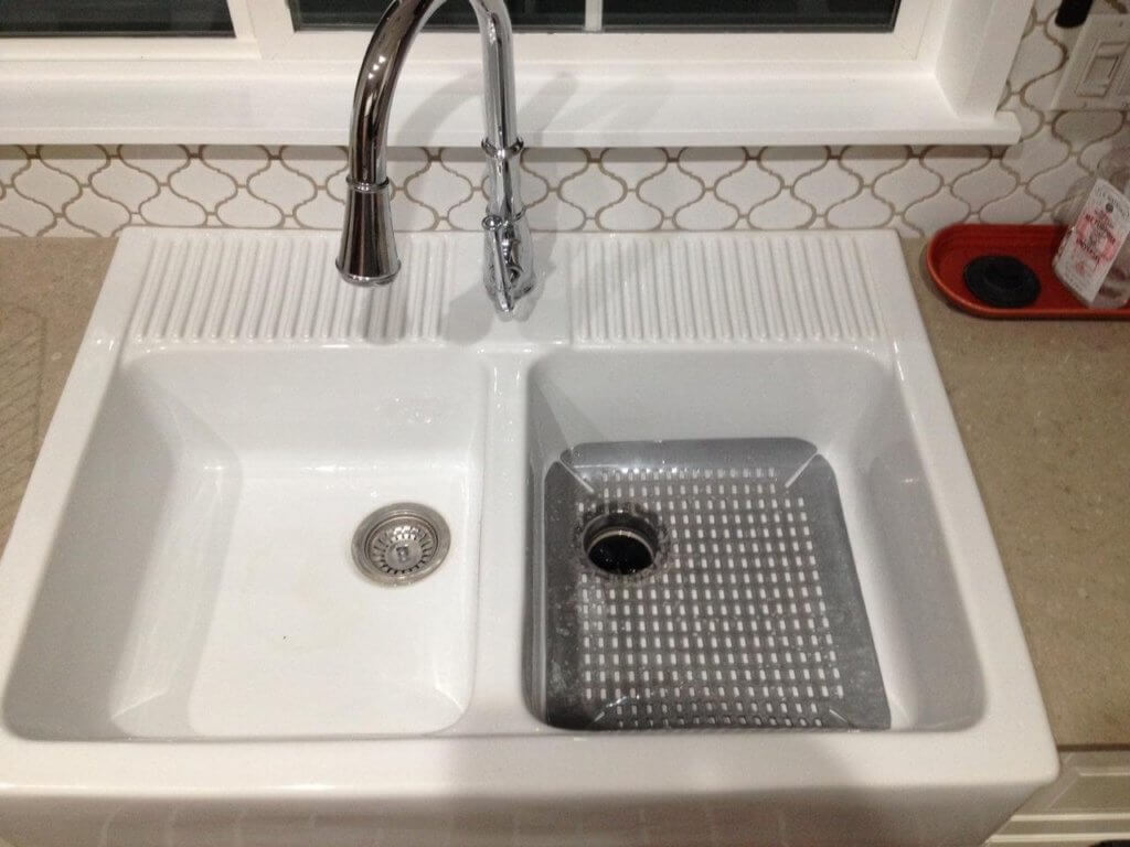 kitchen sink grids racks best for ikea domsjo farmhouse with rubber mat