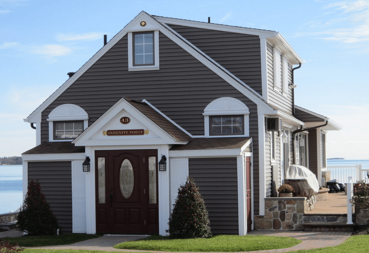Vinyl siding cost pros cons and roi in 2017 2018 for What is 1 square of vinyl siding