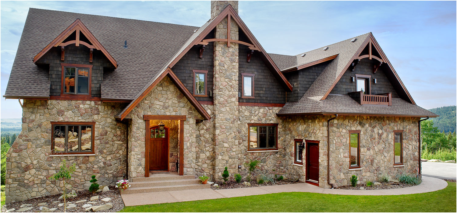 Stone siding cost pros cons natural stone vs msv 2017 home remodeling costs guide - Houses natural stone facades ...
