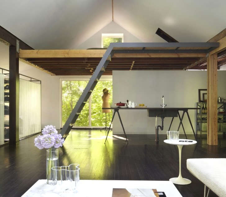 The New Pioneers An Architects OneRoom Family House