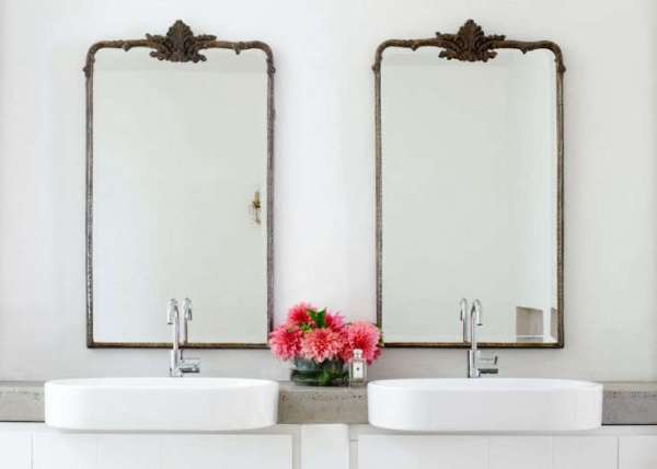 Indoor Plant Decor Bathroom Dual Vanity Sinks with Pink Flowers