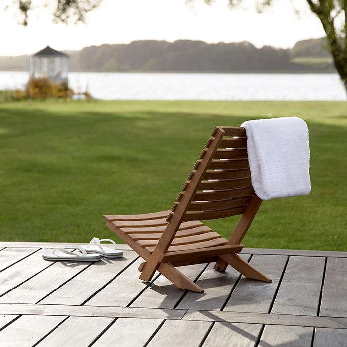 HighLow Folding Wood Beach Chairs Remodelista