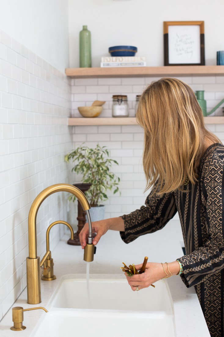 danze parma kitchen faucet glass storage containers 10 easy pieces: pull-down sprayer faucets   remodelista ...
