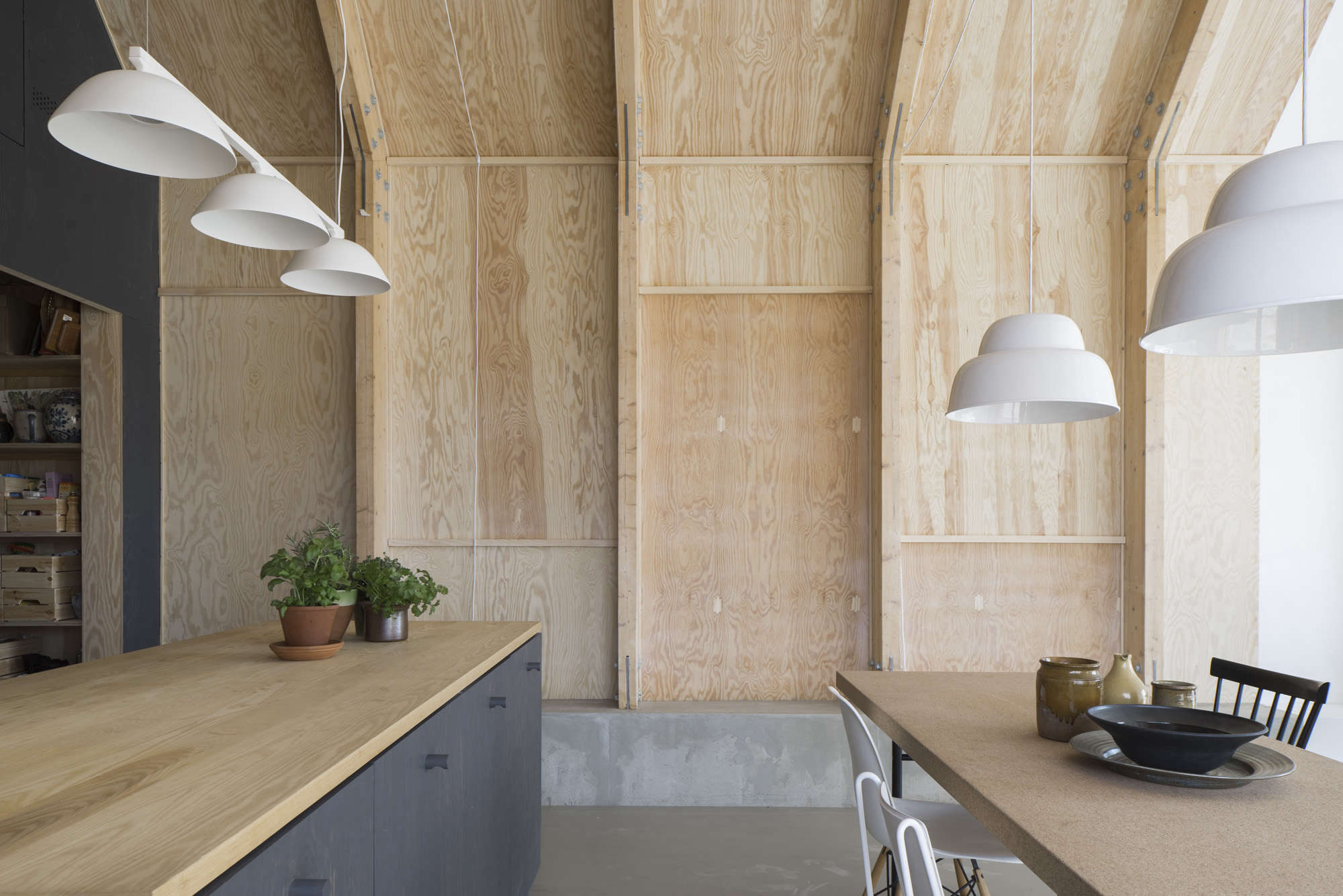 Kitchen of the Week A CostConscious Kitchen in Sweden