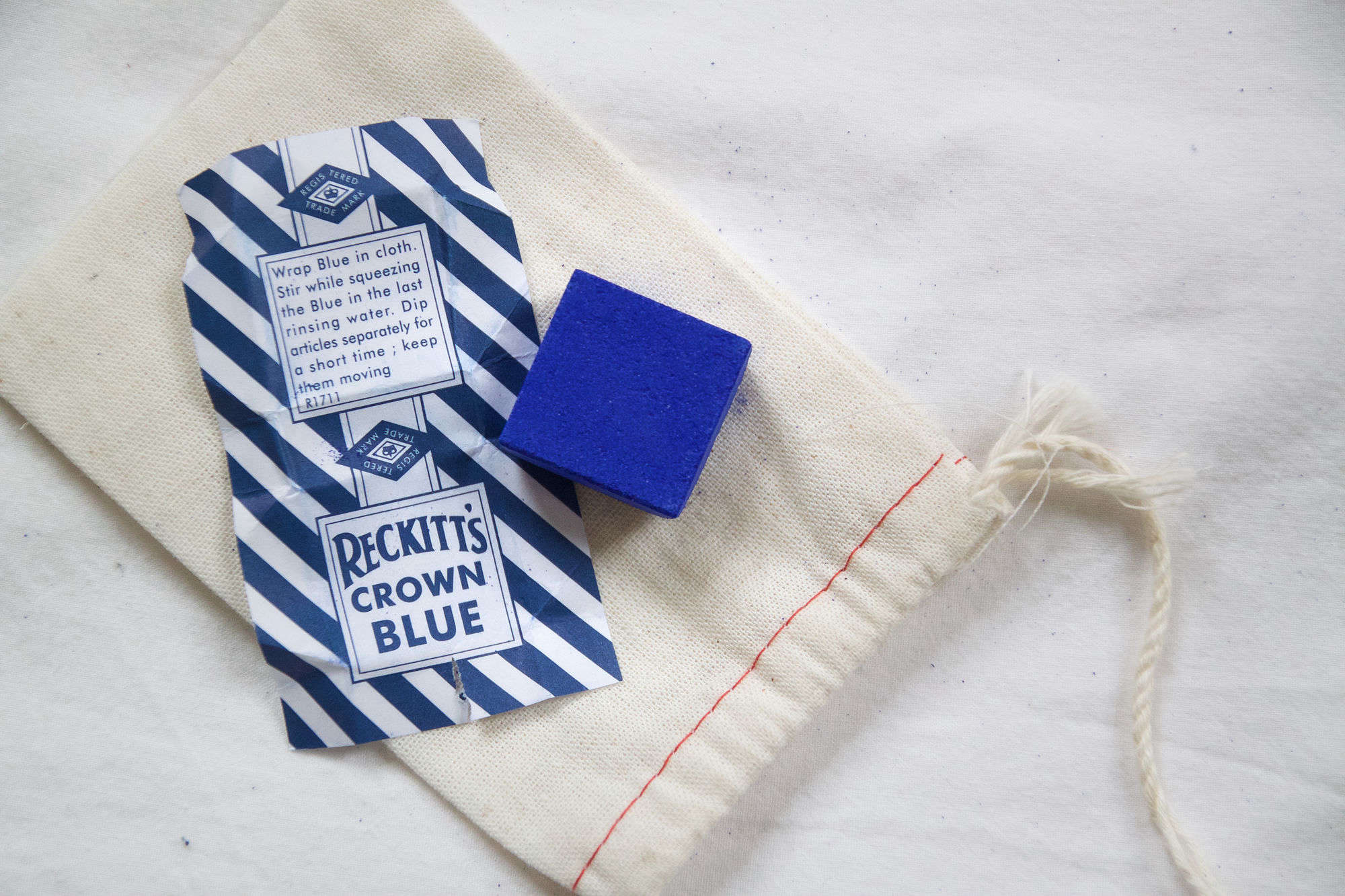 DIY How to Whiten Your Sheets with Laundry Bluing