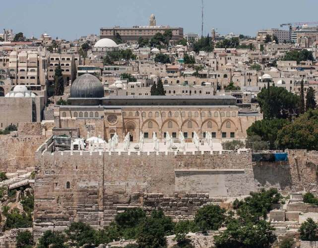 landscape image of al aqsa mosque in jurusalem