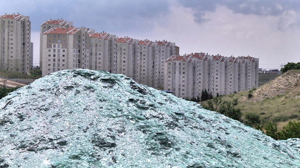 Margherita Moscardini, Istanbul City Hills. On the Natural History of Dispersion and States of Aggregation 2013 Still from video. Production AlbumArte, Rome. Courtesy MAXXI Museo nazionale delle arti del XXI secolo, donation of the artist