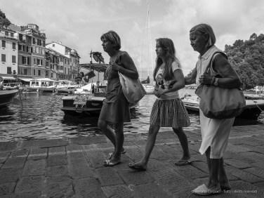 Three generations. Portofino, 20 agosto 2014 - Canon PawerShot G1 X, 15mm, 1/100 ƒ/14 ISO 400