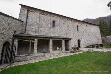 Abbazia romanica di San Pietro al Monte. Nikon D810, 14mm (14-24mm ƒ/2.8) 1/6sec ƒ/8 ISO 64