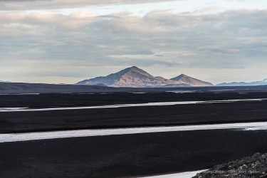 The Dyngjufjoll Mountains in the sunset. Nikon D810, 120 mm (24-120.0 mm ƒ/4) 1/200 sec ƒ/8 ISO 64